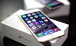 Apple admits slowing down older iPhones