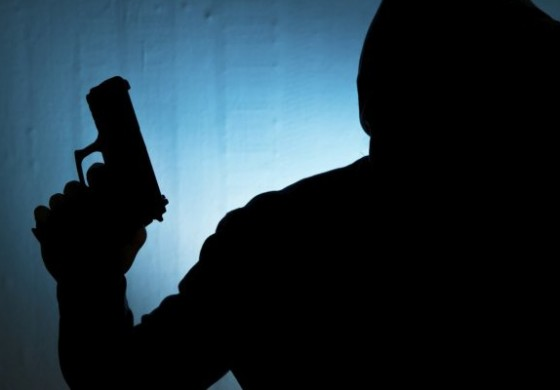 Police officers foil robbery in Castries; find firearm