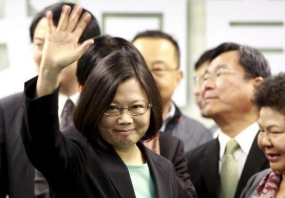 Taiwan president calls for breakthrough in cross-straits relations