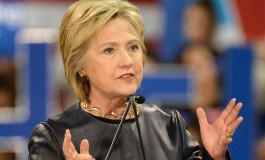 US polls narrow as Clinton grapples with email fallout