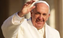 Pope Francis sets up commission on women deacons