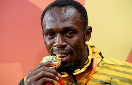 Bolt turns in gold medal