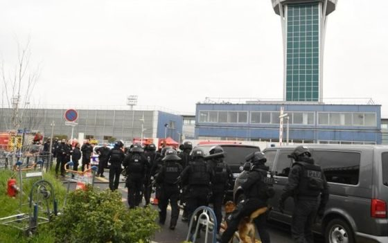 Man shot dead at Orly airport