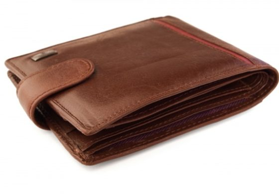 Jamaica: Larceny charge for pocketing lost wallet
