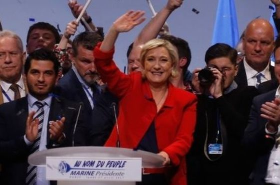 French election: Le Pen pledges to suspend immigration