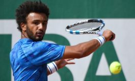 French Open bans Hamou over attempts to kiss reporter