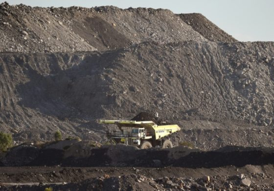 Foreign bidding war for Rio's Australia coal mines