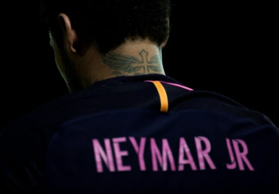Spanish league stalls Neymar PSG move