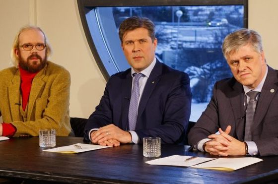 Iceland government collapses over paedophile furore