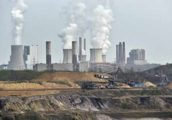 UN environment report urges revived effort to cut emissions