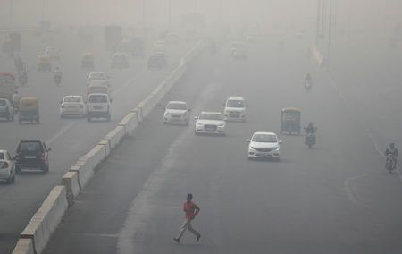 Indian capital choked by smog as emergency measures fail to offer respite