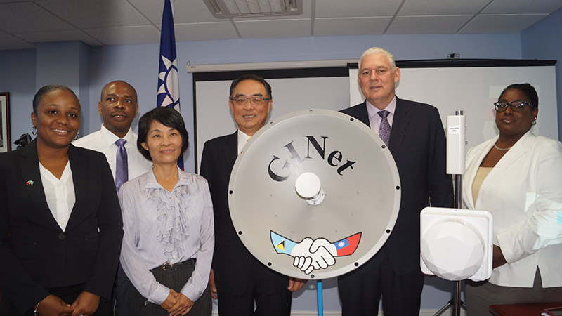 From R-L - PS Publc Service Esther Bousquet, PM Allen Chastanet, Taiwan Ambassadror HE Douglas Shen, with GINet team