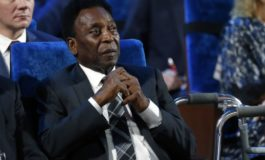 Pele skips public appearance in England, stays home to rest