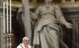Pope on Holy Thursday urges priests to be close to sinners