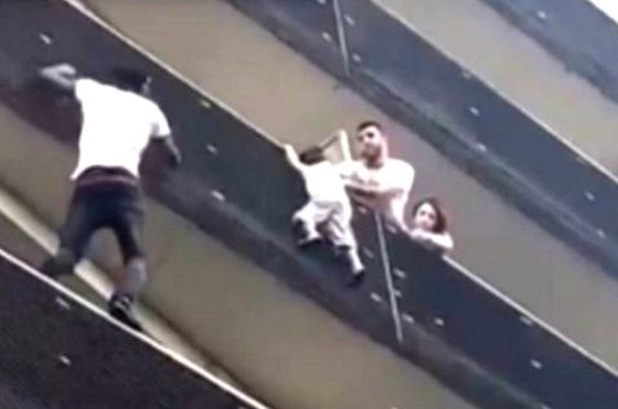 'Spiderman' balcony rescue wows France