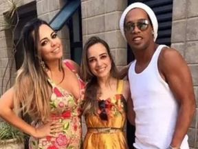 Ronaldinho says he won't marry two women at same time