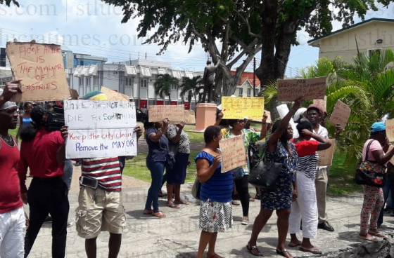 Irate vendors stage protest