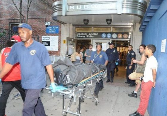 Man pulls woman onto Brooklyn train tracks, killing both