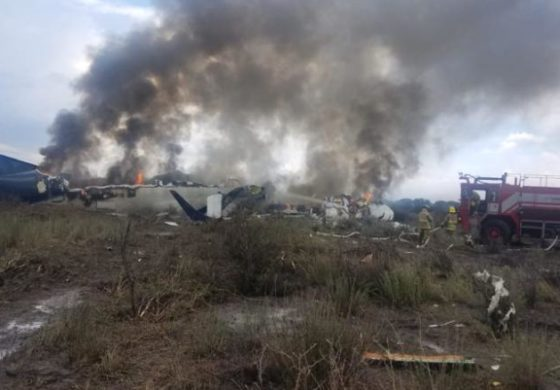 Plane carrying 103 people crashes — everyone survives