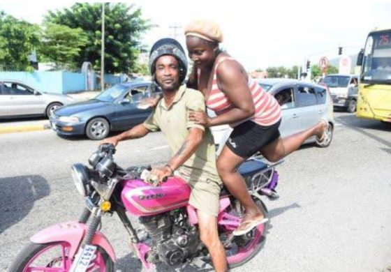 Jamaica: Motorcycle operators profiting from road congestion