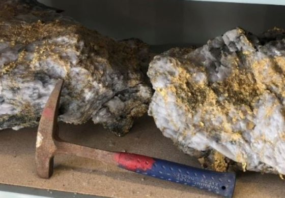 Massive gold-encrusted rocks worth millions found in Australia